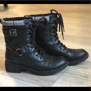 Rocket Dog Thunder Archive Varsity Combat Boot